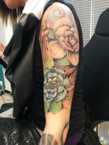 Tatuaggio floreale genova
