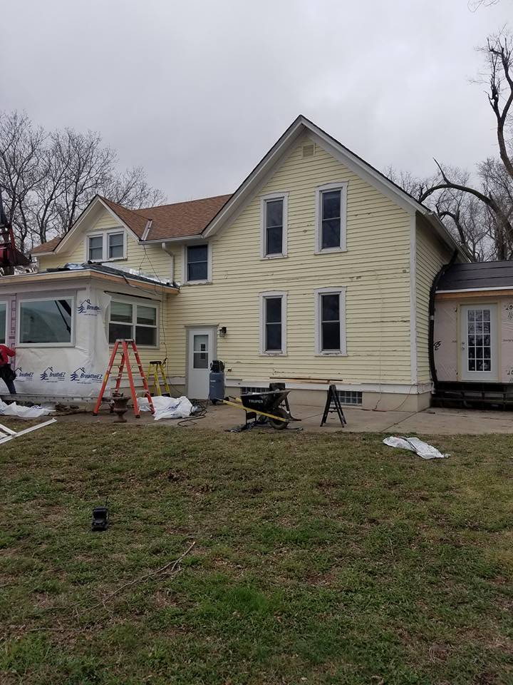 New siding installation on Lincoln home