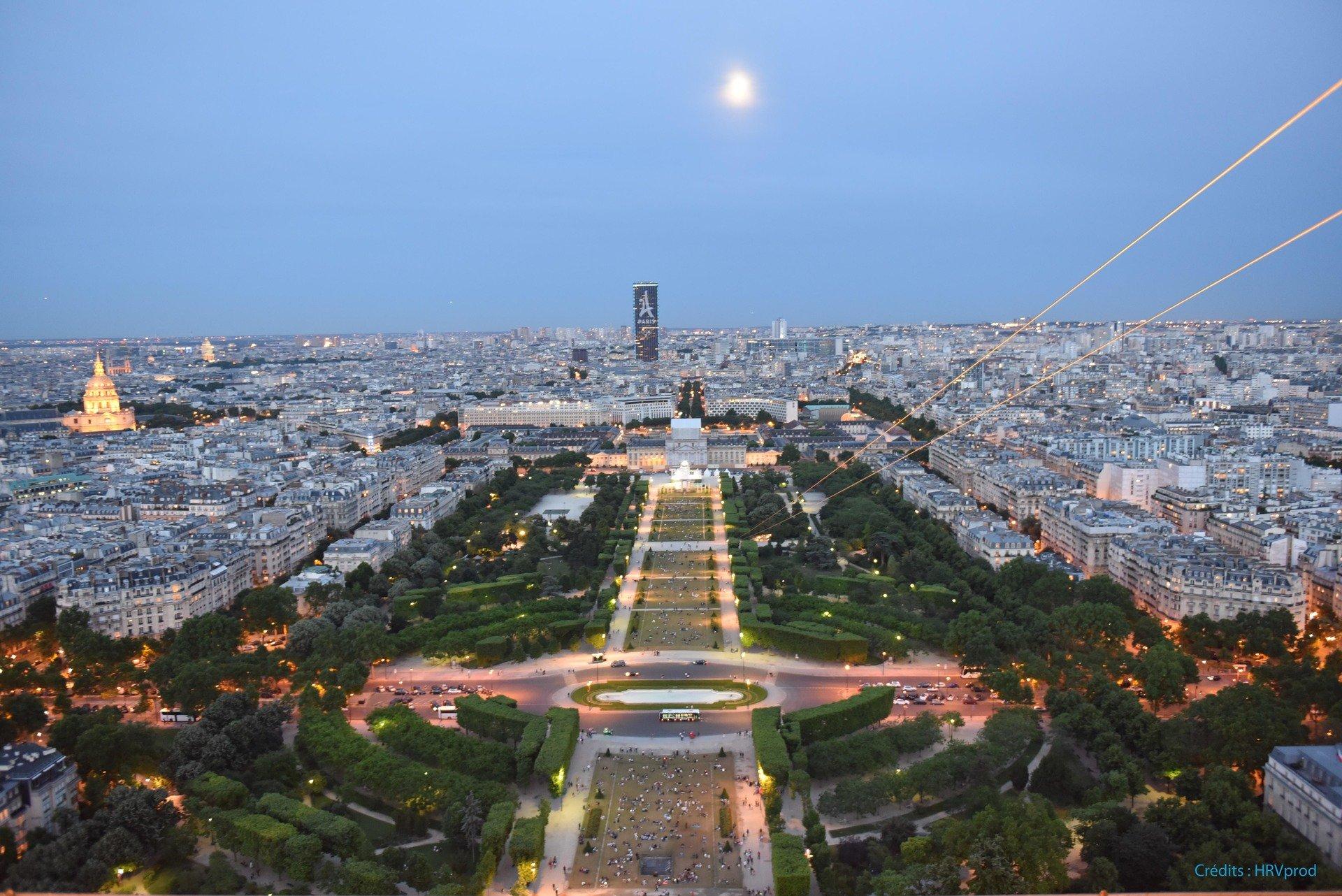 Départ Tyrolienne Eiffel