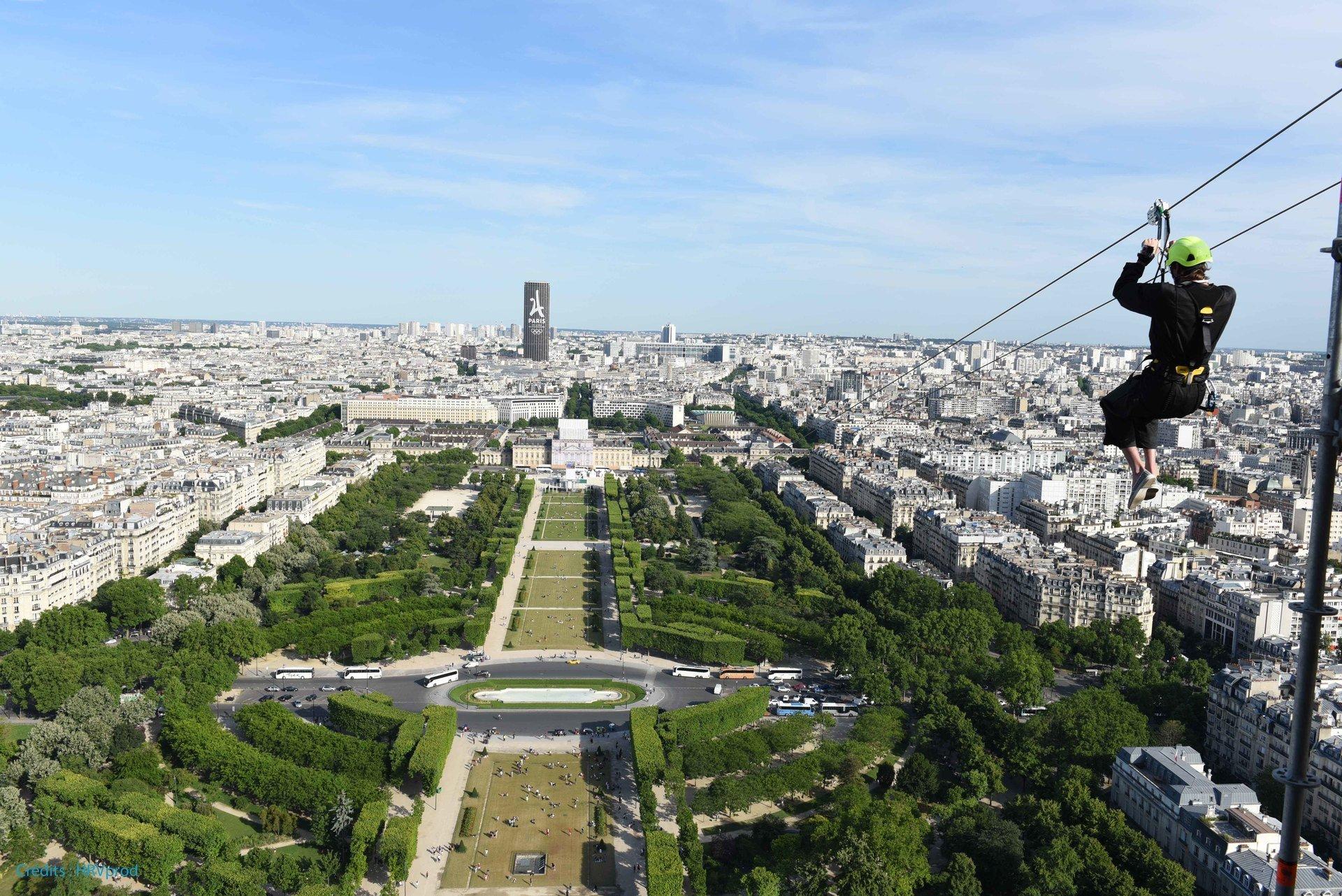 Tyrolienne Tour Eiffel