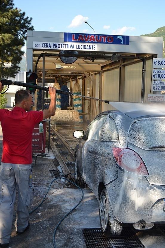 Lavaggio auto - Rovereto