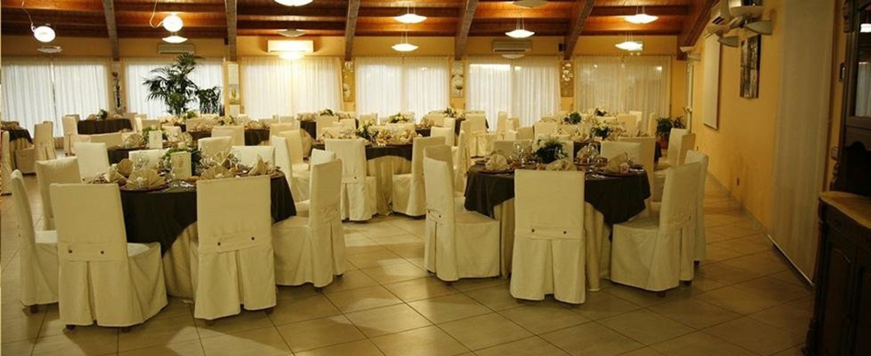 sala preparata per ricevimento