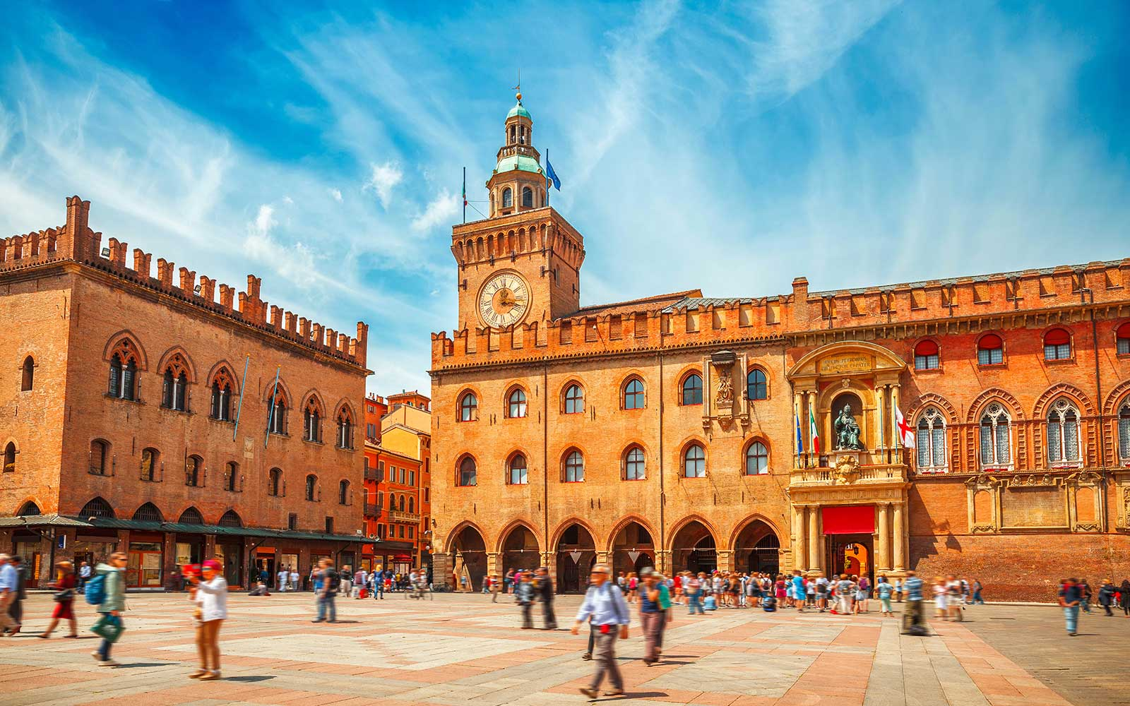 Palazzo d'Accursio nella Piazza Maggiore di Bologna