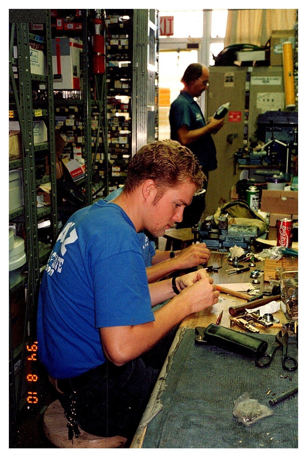 salz locksmith lock safe honolulu keys rekey transponder chip key