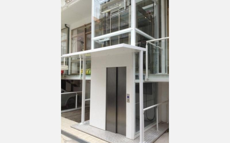 ascensori hotel universal