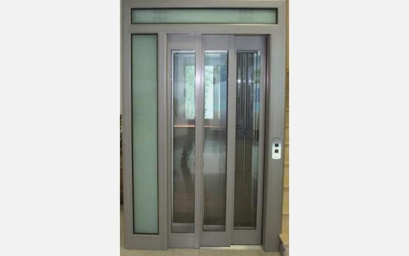 porta ascensore a scorrimento