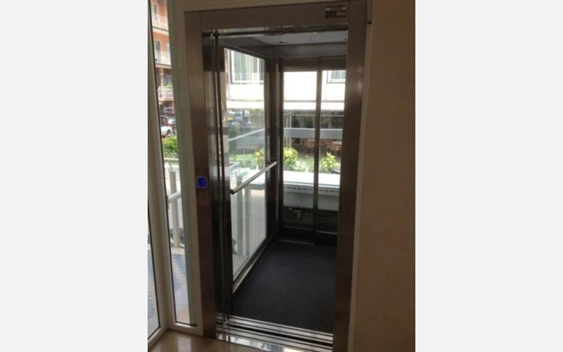 fornitura ascensori hotel universal