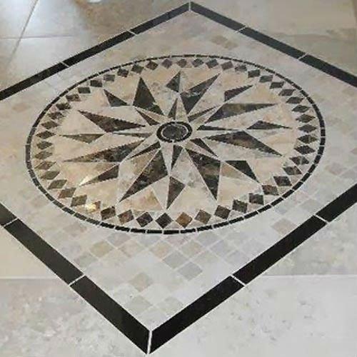 pavimento decorato con marmi colorati