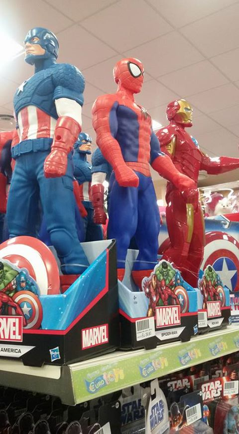 Bambole giganti di super eroi  americani