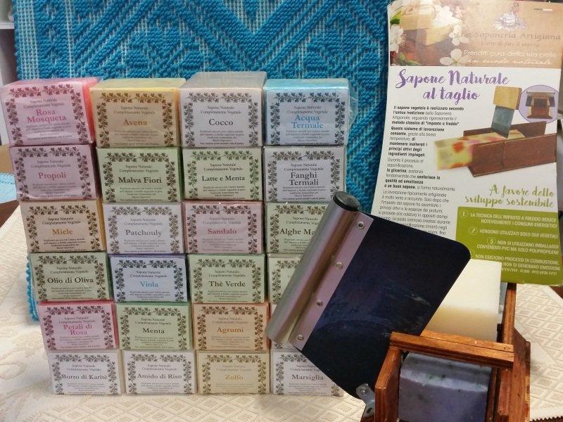 Saponi naturali di vari aromi fatti a mano