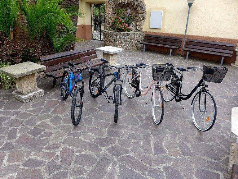noleggio biciclette (visuale frontale)