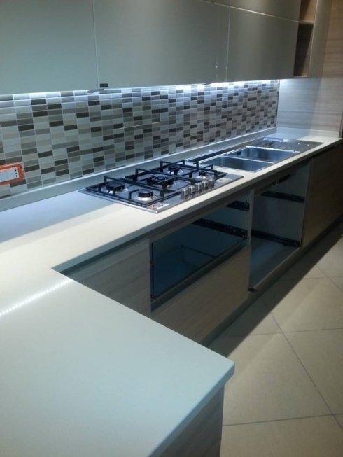 rifinitura cucina in marmo
