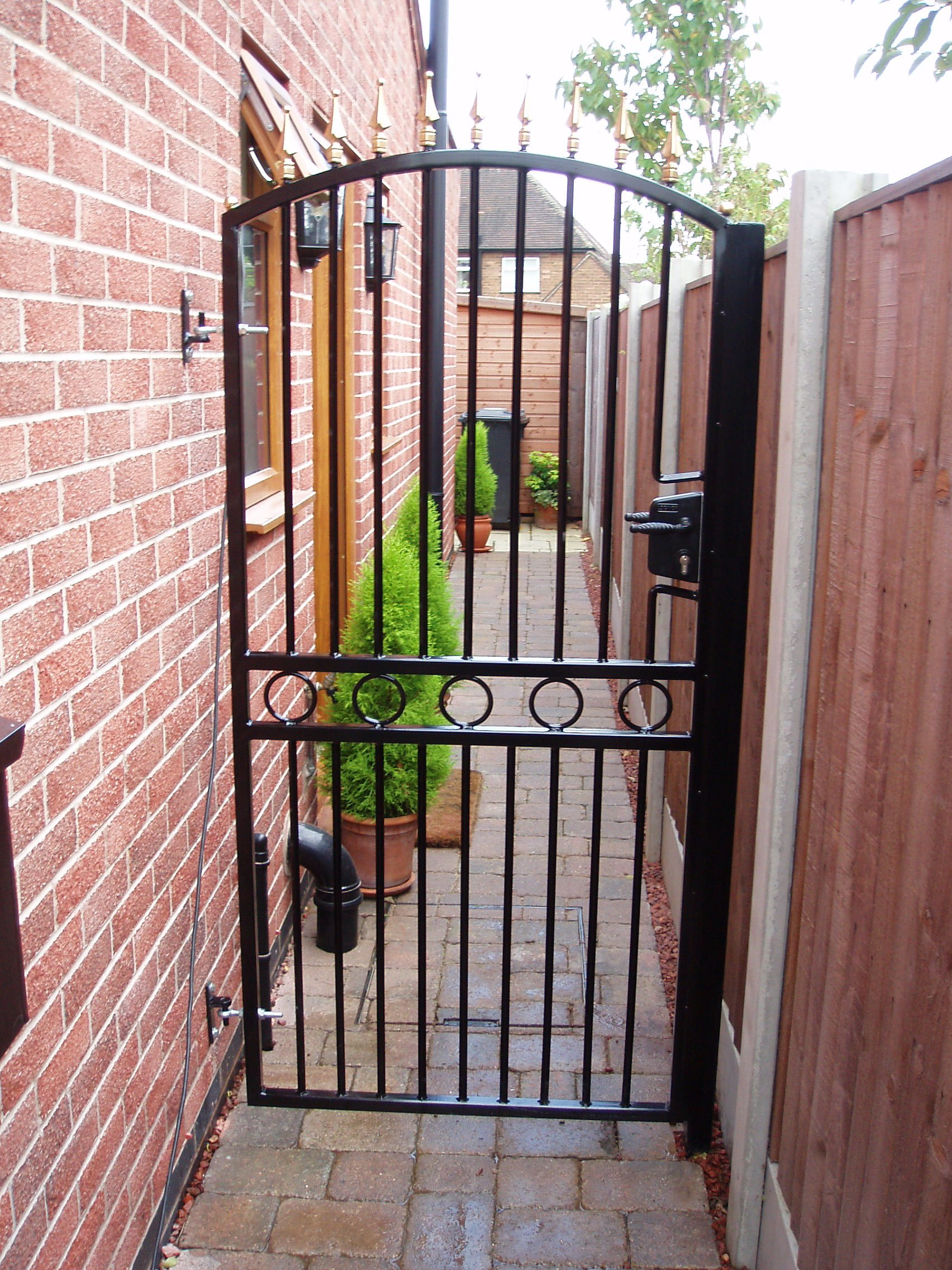 Get A Custom Made Wrought Iron Gate In Nottingham