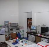 delle stampanti un monitor in un ufficio
