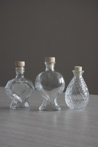 bottiglie speciali, bottiglie in vetro per bomboniere, bomboniere in vetro