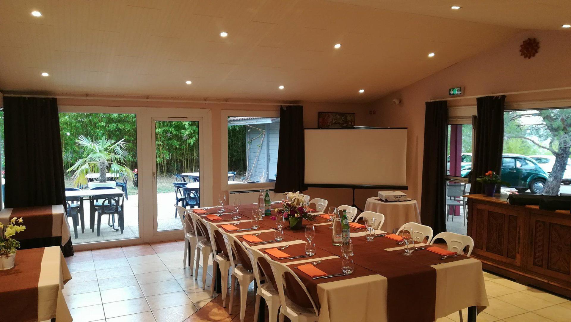 H U00f4tel Cot U00e9 Sud Leman  Restaurant Les Tournesols  U00e0 Thonon