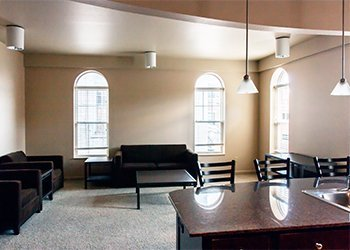 fully furnished uptown apartments
