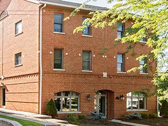close to campus student apartments for rent