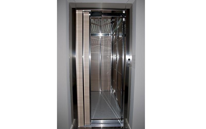Porta ascensore potenza