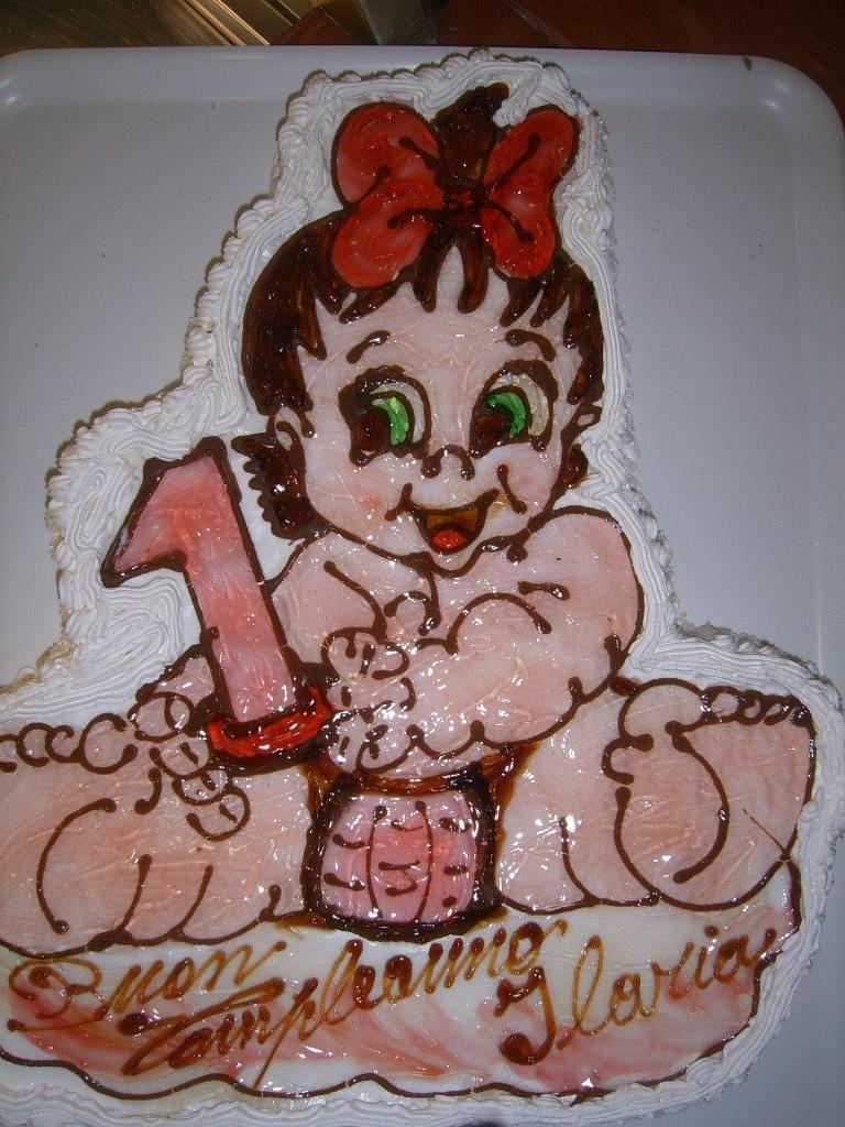 torta a forma di neonata