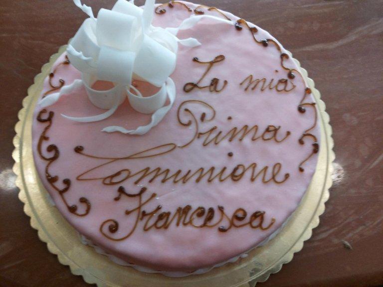 torta rosa per la prima comunione
