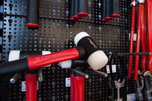 utensili di ferramenta per professionisti