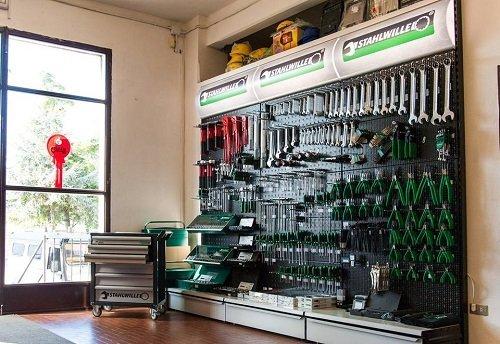 utensileria per ferramenta