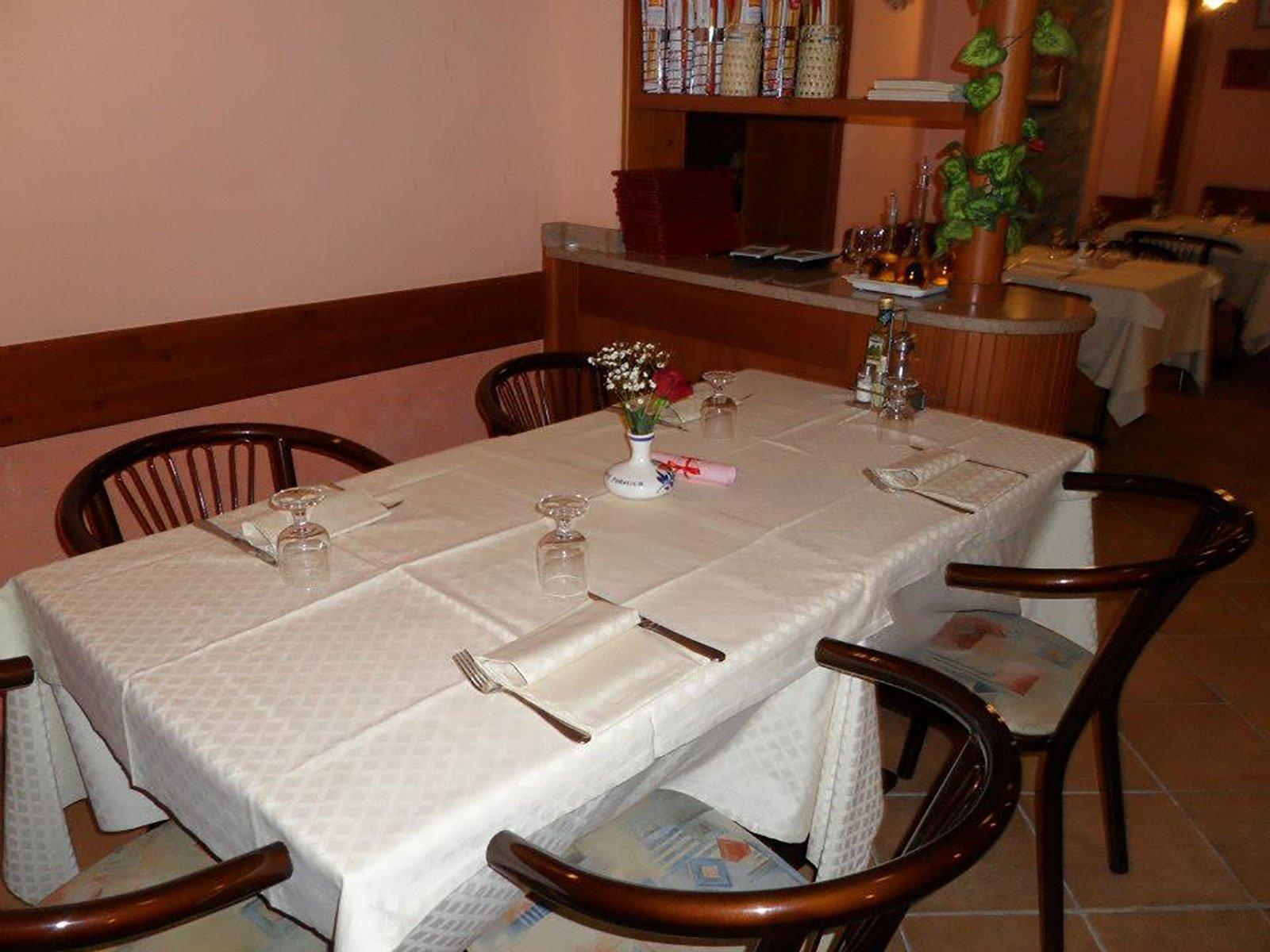 Primo piano di una tavola