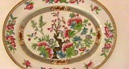 Piatti antichi decorativi
