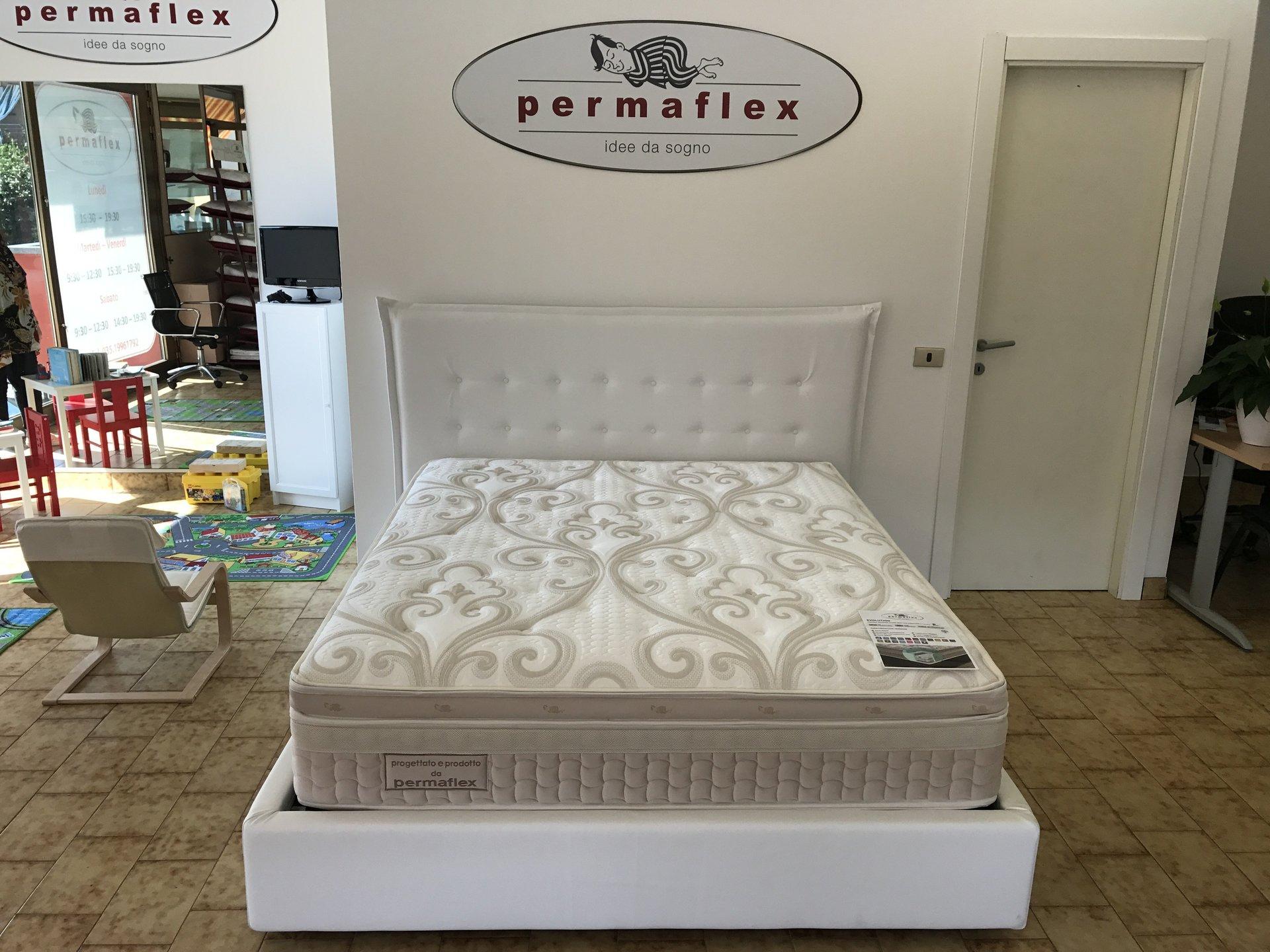 camera da letto con arredamento