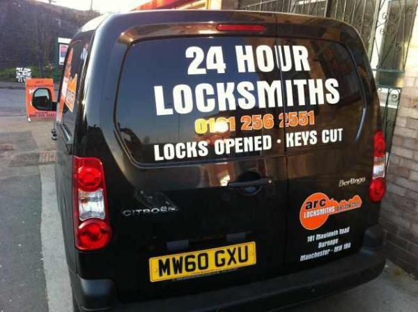 EMERGENCY 24-HOUR LOCKSMITHS FOR MANCHESTER & CHESHIRE
