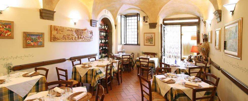 Trattoria piatti tipici toscani Cortona