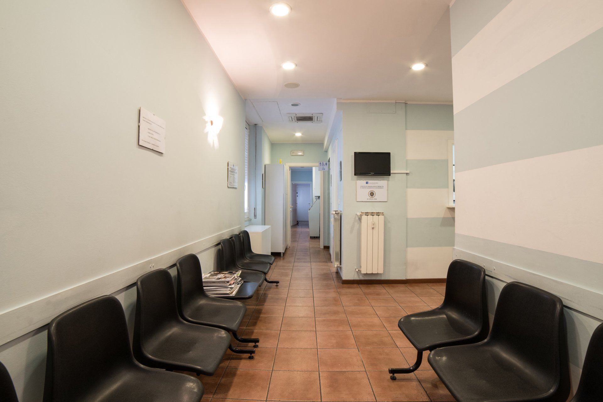 istituto radiologico beretta - sala d'attesa