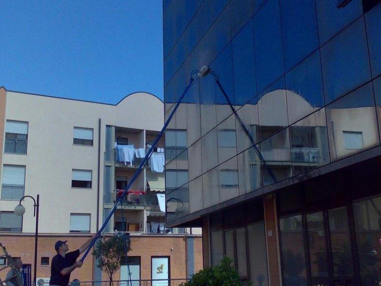 pulizia finestre