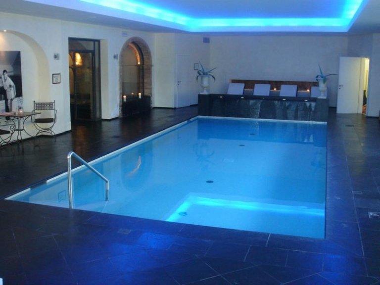 pulizia piscine
