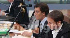 due avvocati in un'aula di tribunale
