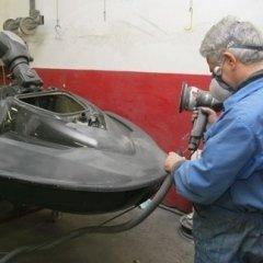 Carteggiatura moto d'acqua