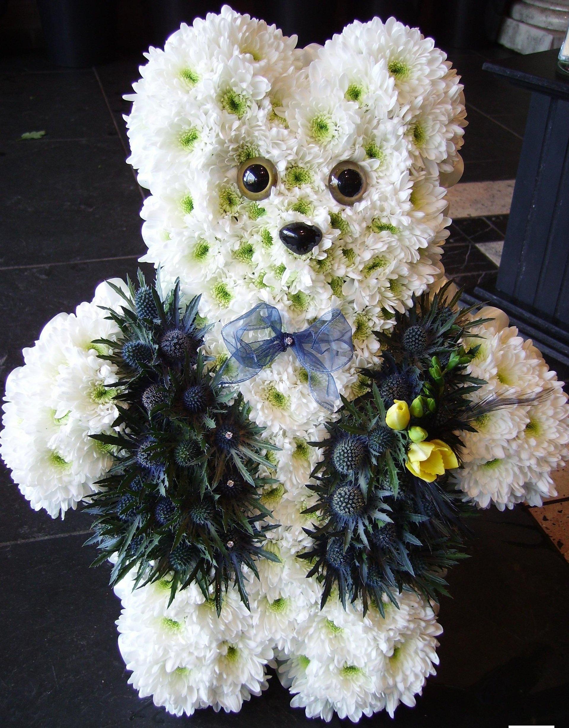 flowers in teady bear shape
