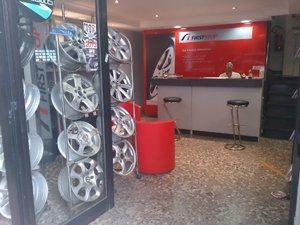 Cerchioni per auto all'autofficina Lionetti Gomme a Roma