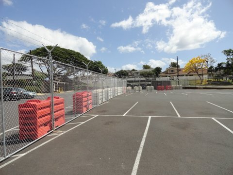 T Stand & Barbed Wire Temporary Fence installed by David's Fence in Pearl City, HI