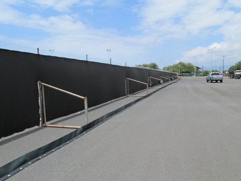 T Stand & Dust Screen Temporary Fence in Pearl City, HI
