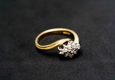 gold diamond cluster ring