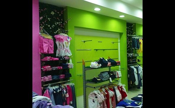 arredamento per negozi di abbigliamento