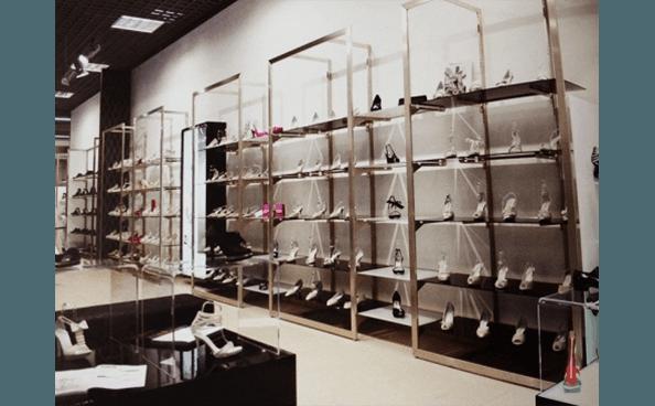 arredamento negozio di calzature