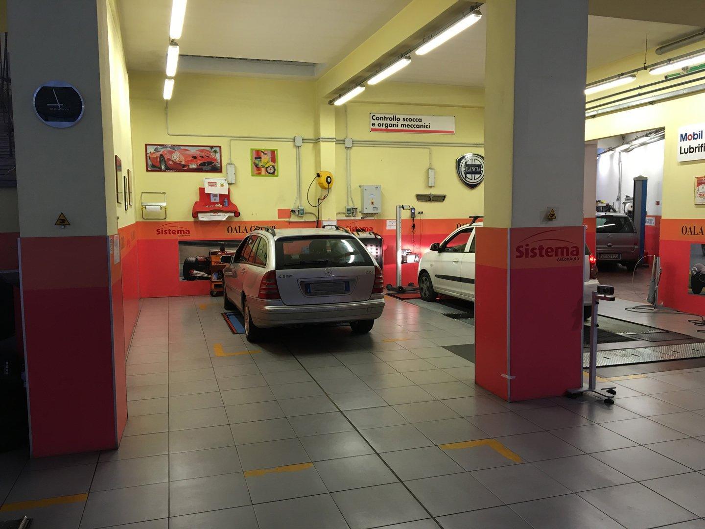 riparazione e manutenzione di auto e moto