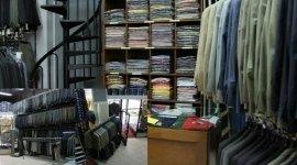 abiti maschili, abiti eleganti, negozio di moda