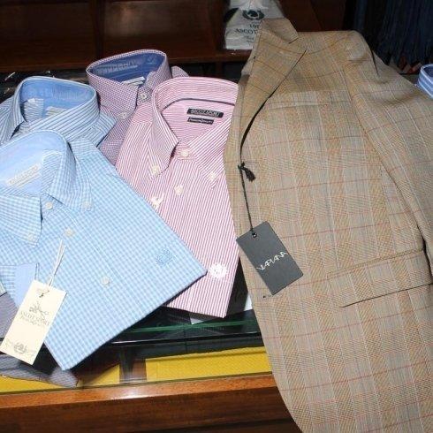 Camicie in diversi colori