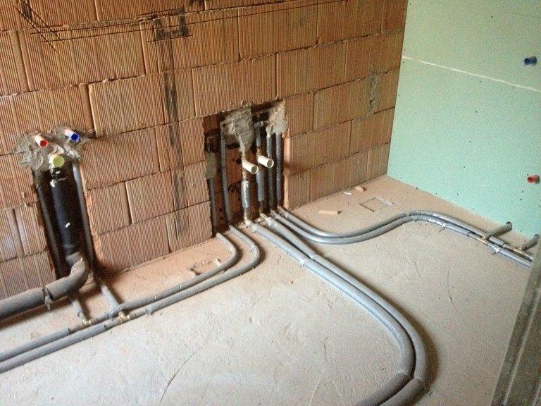 rubinetti intercettazione bagno