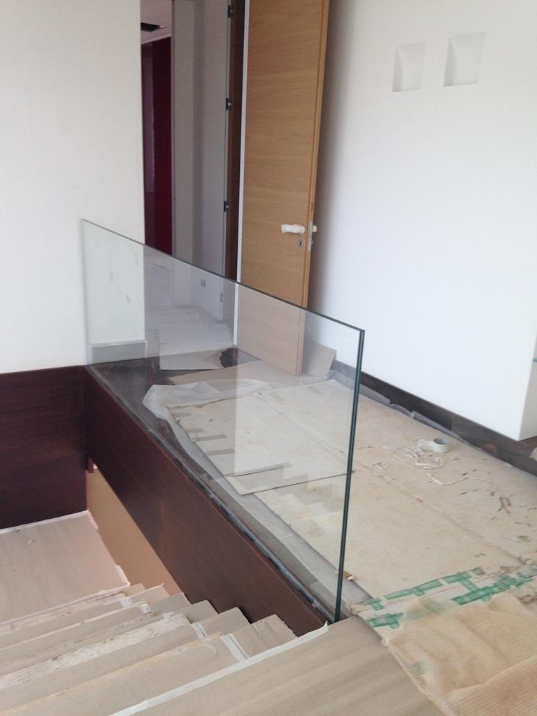 installazione scale in vetro