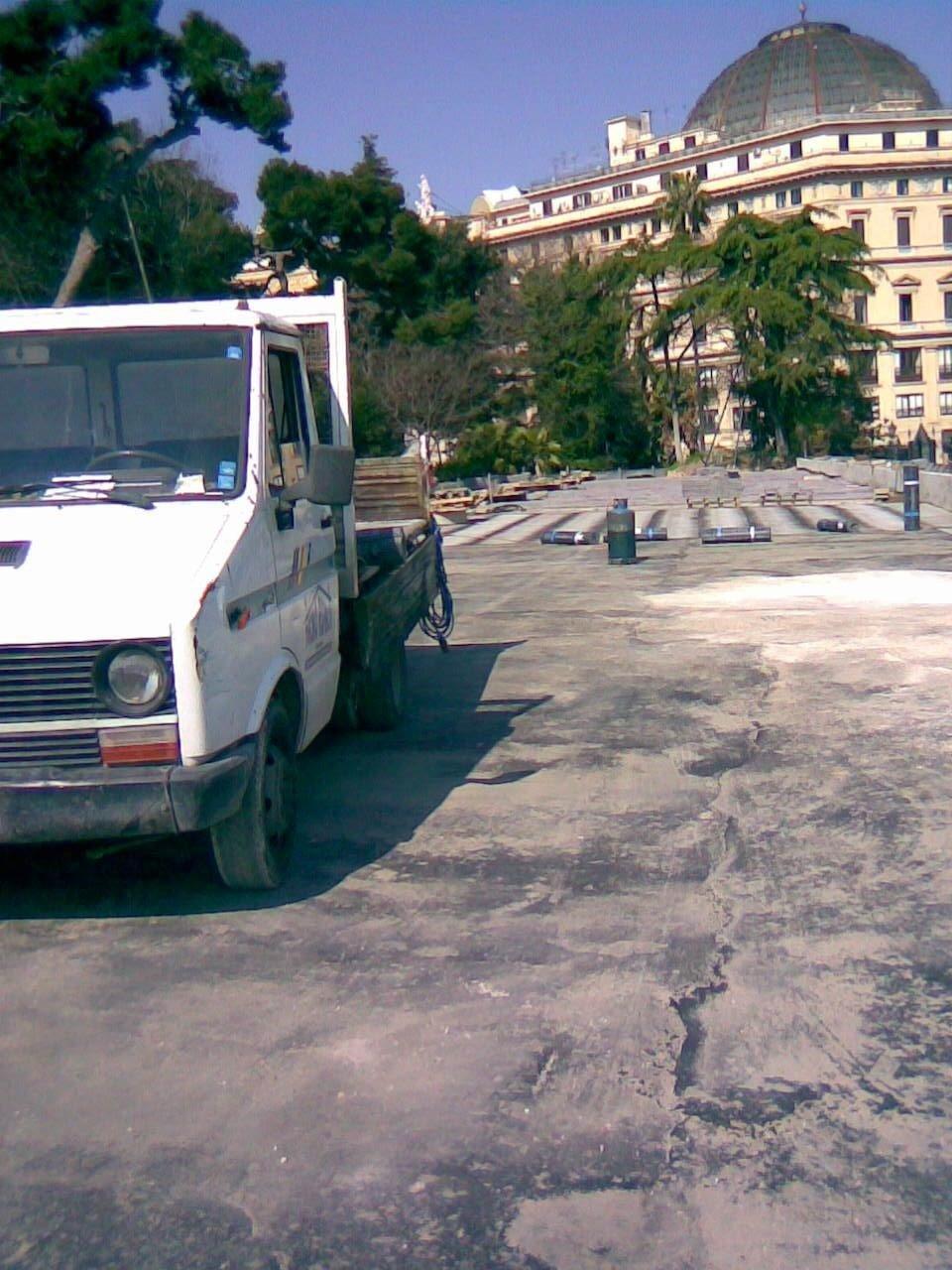 Lavoro impermeabilizzazione al Palazzo Reale Napoli